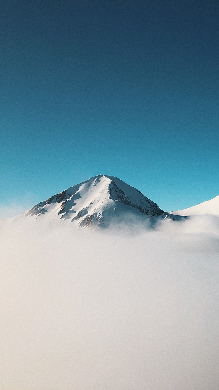 Happy New Year Movie Hd Wallpaper Download Minimalist Mountain Above Clouds Iphone Wallpaper