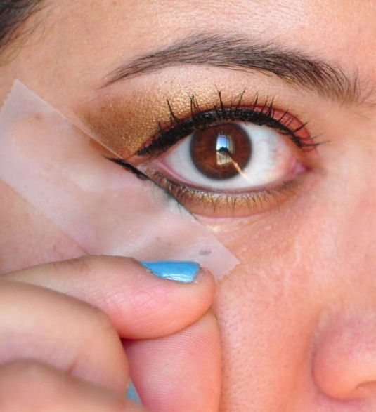 32 Makeup Tips That Nobody Told You About -- Great idea! I can never get it right.