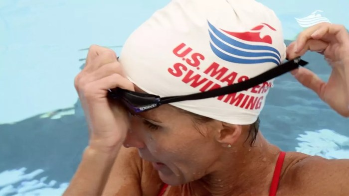 Five Steps to a Great Fit swimming goggles