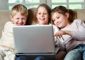 list of steps for safely allowing your children on the web | ListPlanIt.com
