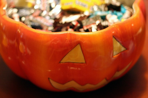 list of ways to deal with halloween candy   ListPlanIt.com