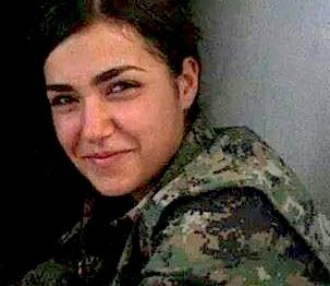 Ceylan Ozalp. Kiedy jej wszyscy towarzysze zginęli i kiedy skończyła jej się amunicja, pożegnała się z wszystkimi przez radio i ostatnią kulę wpakowała sobie w głowę, żeby nie dostać się w ręce zbirów z ISIS.