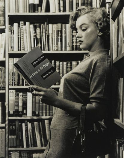 marilyn-monroe-an-enemy-of-the-people-penguin-plays-arthur-miller-henrik-ibsen