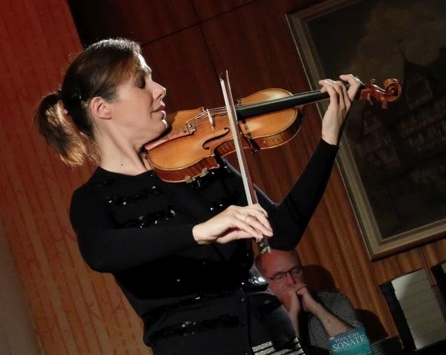 Lesung: Natasha Korsakova mit Tödliche Sonate in Gießen
