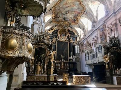 Kratzt man am Lack der Regensburger Kirchen, wird der Missbrauch deutlich