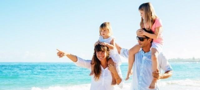 family-holiday6-1417442424-bEGi-slide