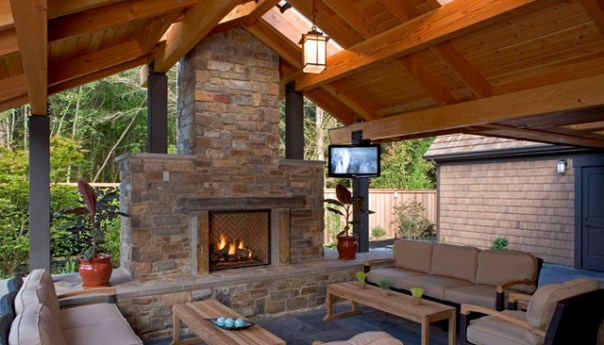 5 Ways to Transform Your Outdoor Living Space This Winter