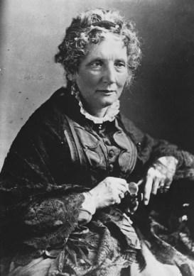 Harriet Beecher Stowe - mujeres famosas de la historia que amaban a los gatos
