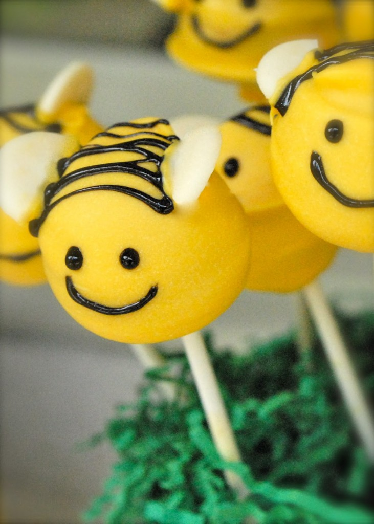 Bumble Bee Cakes  Decoration Ideas  Little Birthday Cakes