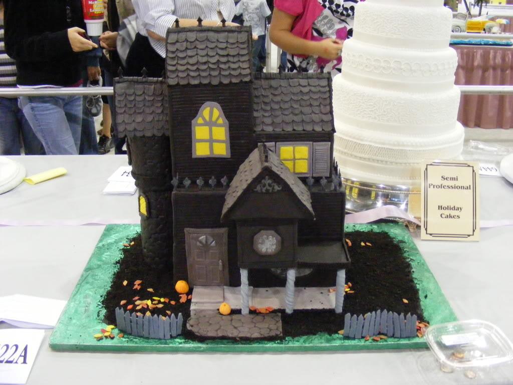 Haunted House Cakes Decoration Ideas