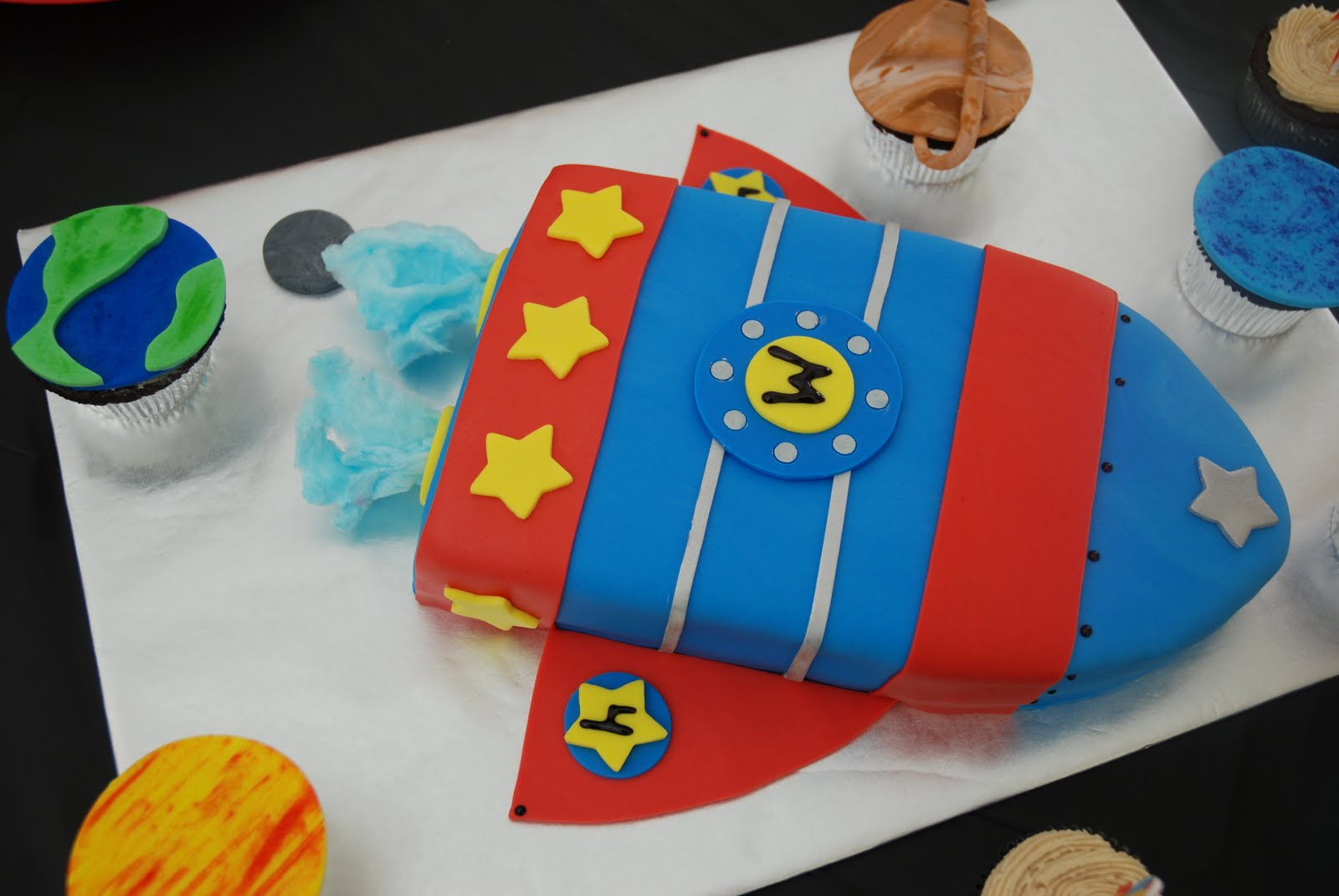 Rocket Ship Cakes Decoration Ideas