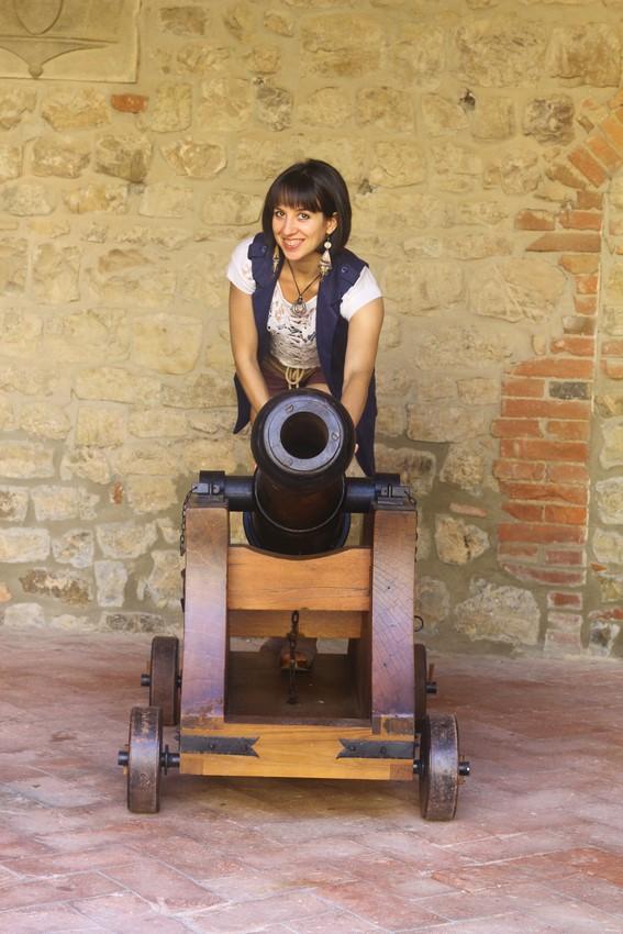 Ambra Castello cannon