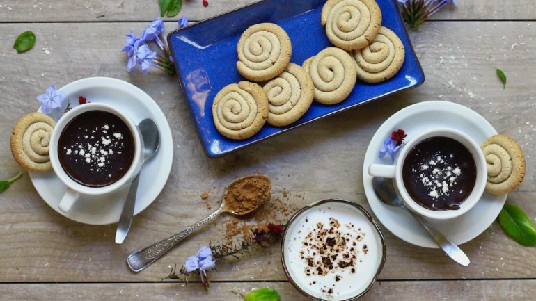 "AIP Paleo Cinnamon Roll Cookies & Cacao-Free Hot ""Chocolate"""