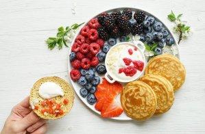 Easy Fluffy Paleo Pancakes (GF, DF, SF) 3