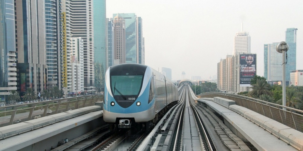 Dubai Metro | Little City Trips guide to getting around Dubai with Kids