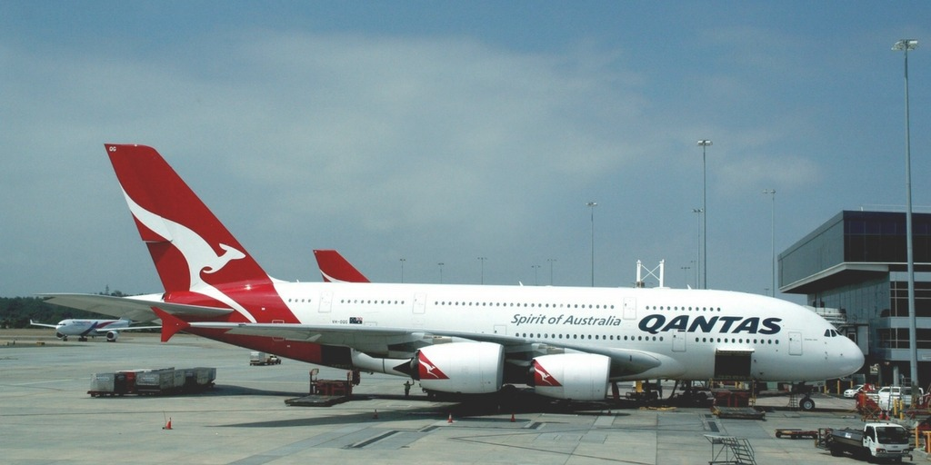 Qantas Airbus A380 at Melbourne Airport | Little City Trips guide how to get from Melbourne Airport to the City