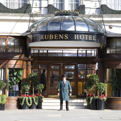 Doorman in front of Rubens Hotel London | Top Family Friendly Hotels in London hand selected by the team at Little City Trips