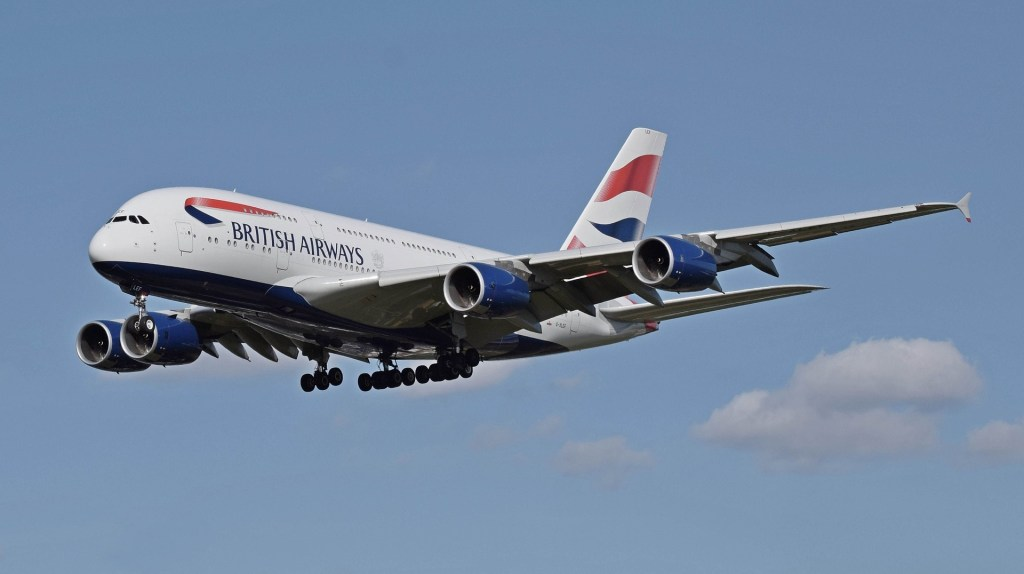 British Airways Plane | How to get from London's Airports to central London