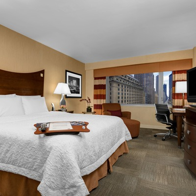 Hampton Inn Manhattan family hotel room