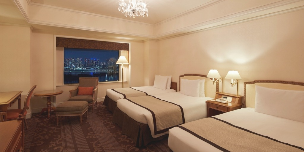 Family Room at Grand Nikko Tokyo giving families space they need in a city known for small hotel rooms | Family Friendly hotels as chosen by city travel experts at Little City Trips