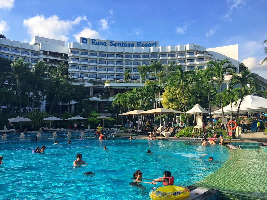 Shangri la Rasa Sentosa Swimming Pool