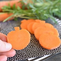 Carrot Pumpkins are Healthy Halloween Snacks