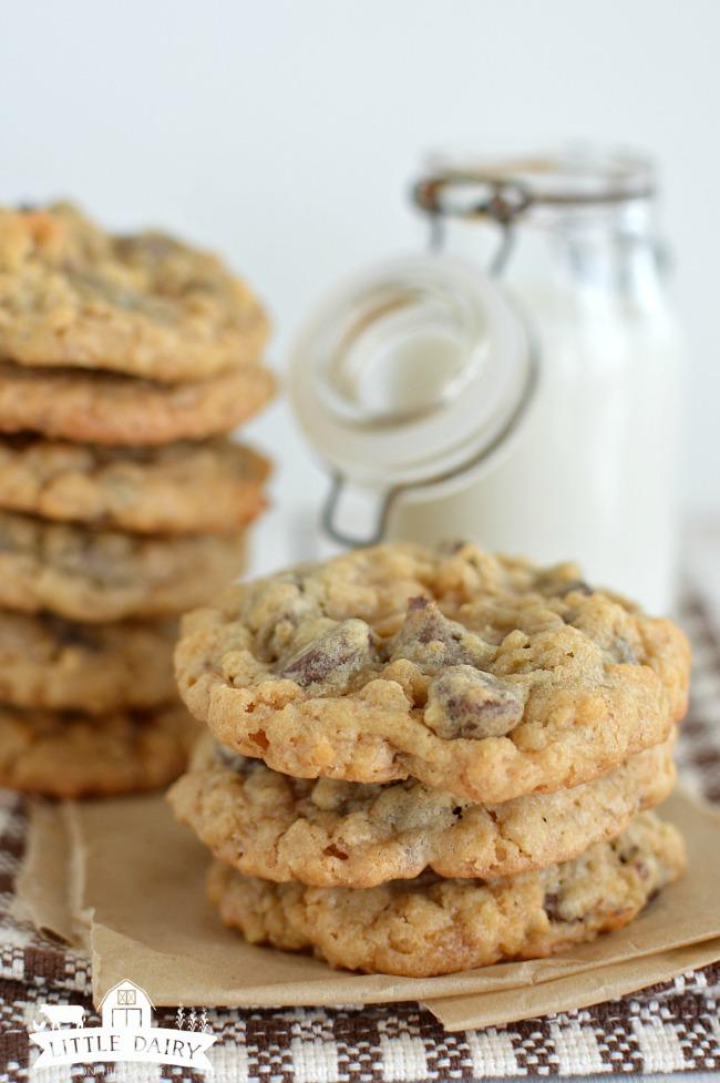 deluxe-chocolate-chip-cookies-3