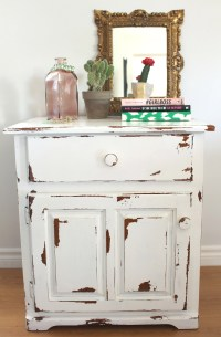How to Distress Furniture