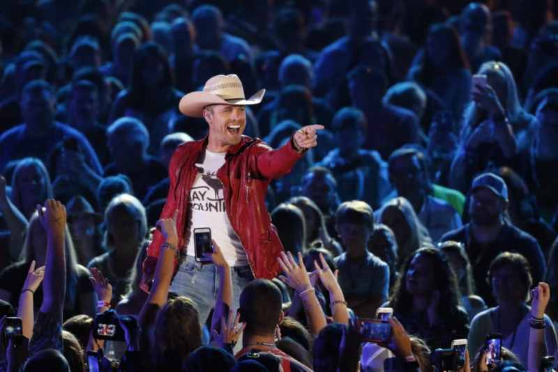 Dustin Lynch performs at Nissan Stadium on Friday, June 9 during the 2017 CMA Music Festival in downtown Nashville
