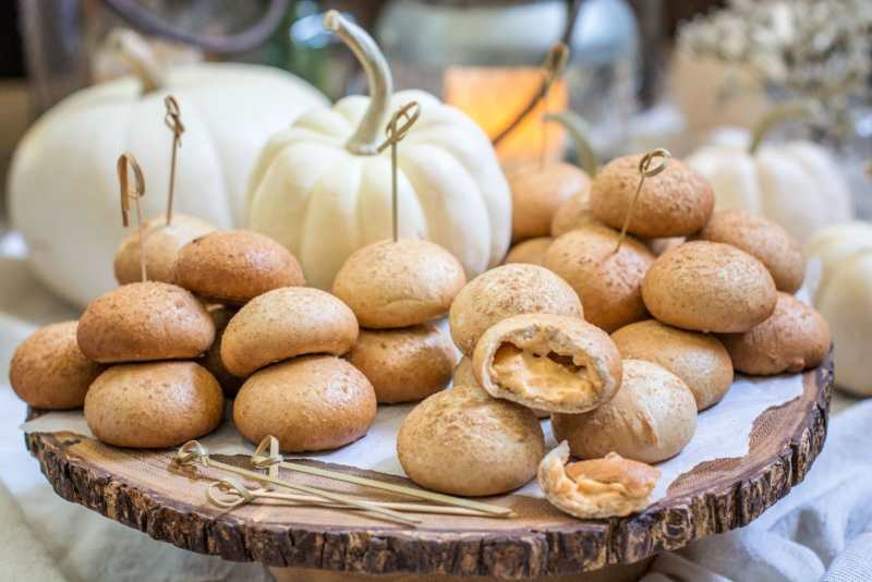 Pumpkin Cream Cheese Stuffed Bagels with NANCY'S Petite Stuffed Bagels, the perfect addition for holiday entertaining! Learn more at Little Figgy Food. #ad #ViveLeBrunch