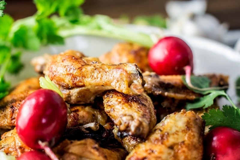Try my recipe for Beer Glazed Chicken Wings and find out what one of my favorite kitchen hacks is. I'll give you a hint, there's no preping... just Pop & Cook! Get the recipe at Little Figgy Food! #ad #JustPopandCook @pop.and.cook
