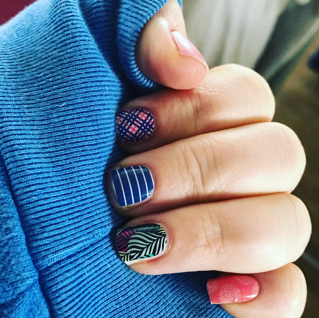 Get your FUN Jamberry Nails here!