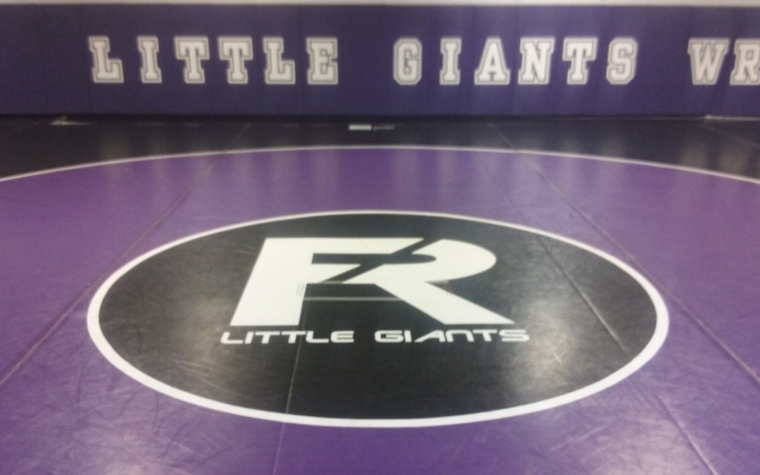 Little Giants wrestlers split tri-meet with Vermillion, Bellevue