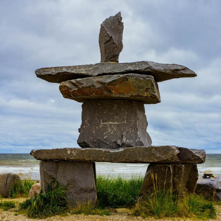 Inuksuk-Inukshuk-Inuit-stone-people-Churchill