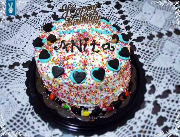 birthday cake for anita et cupcakes for papadino Little House