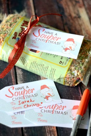 "Use these free ""Souper"" Christmas gift tags to make your soup and gifts festive! This gift tags make giving a healthy & hearty gift easy and fun!"