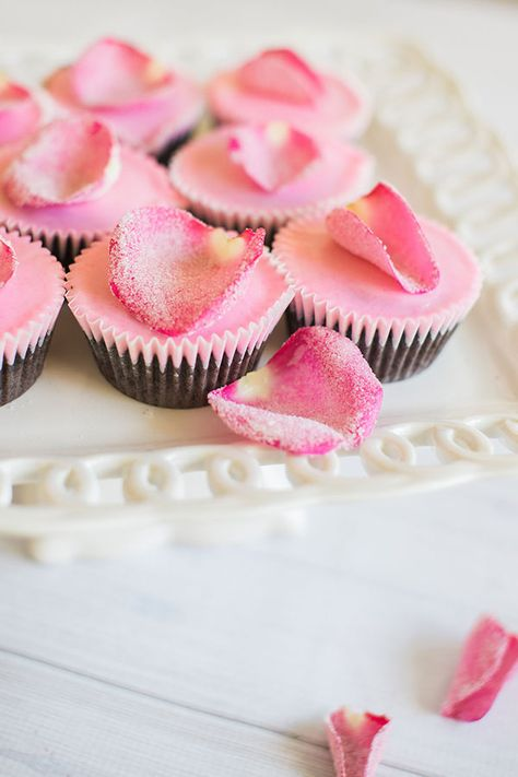 edible rose cupcakes