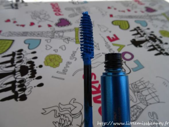 mascara_kiko_super_colour_sky-blue-5
