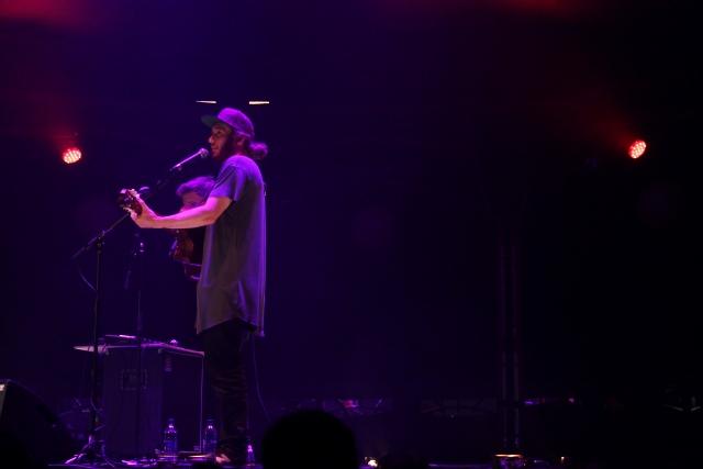 Jamie MacDowell and Tom Thum performing at London Wonderground