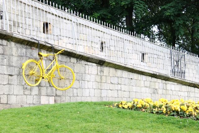 York yellow bicycle tour de france