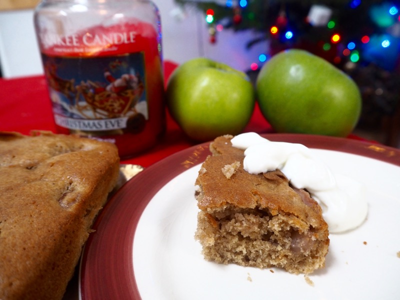 Mulled Wine Apple Cake