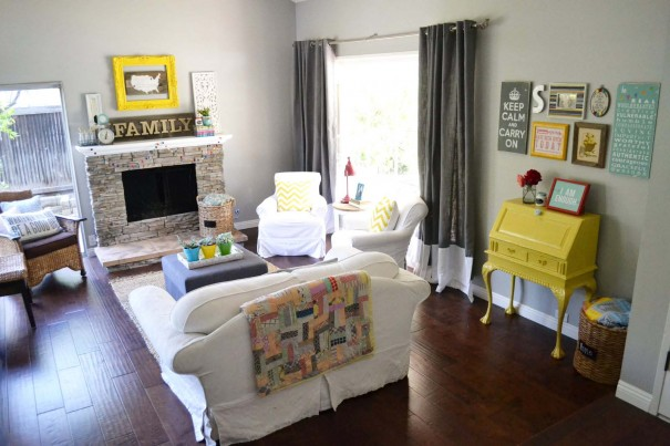 Battle of the styles bohemian versus whimsical living for Whimsical living room