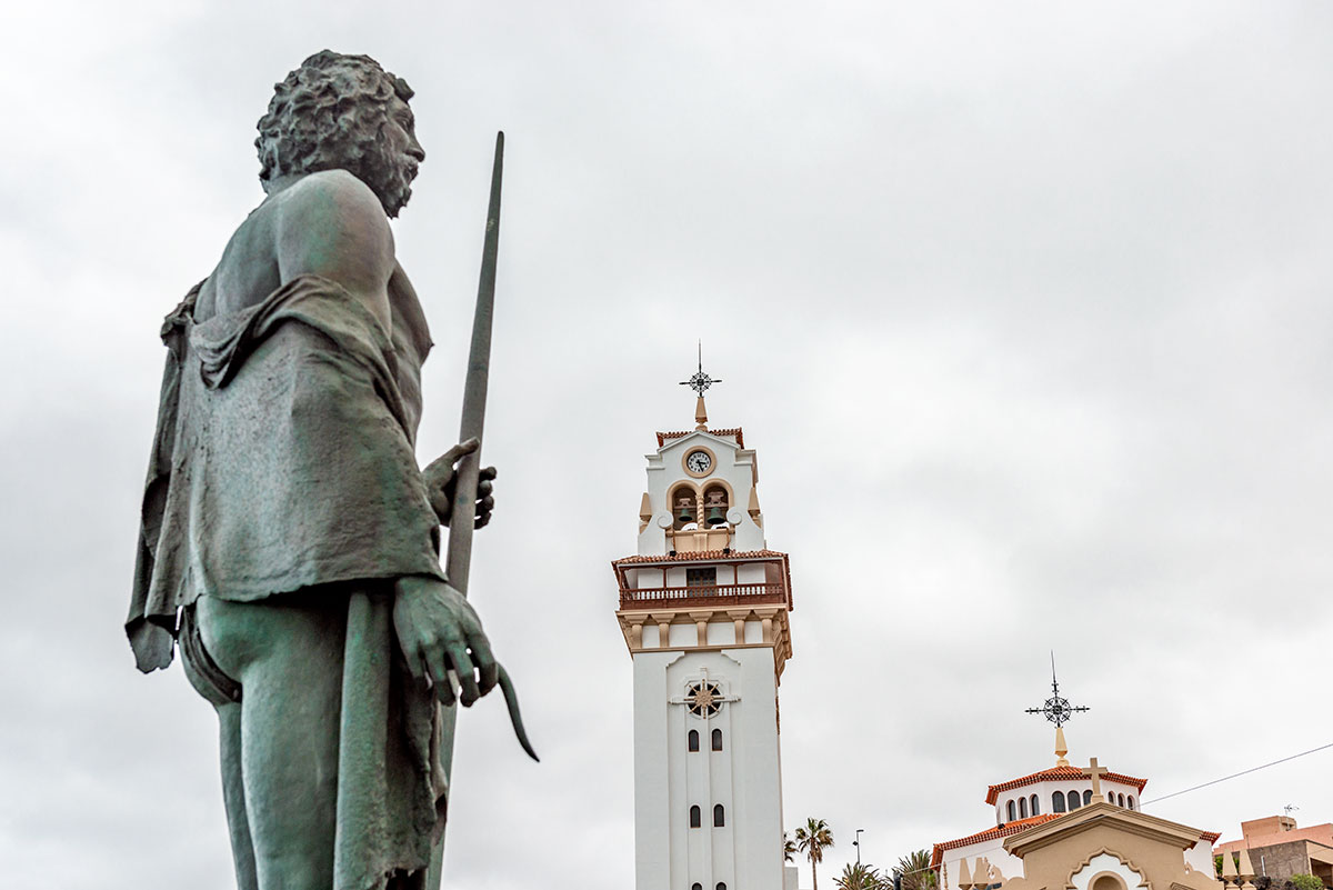 Guanche King watches the Basilica de Candelaria