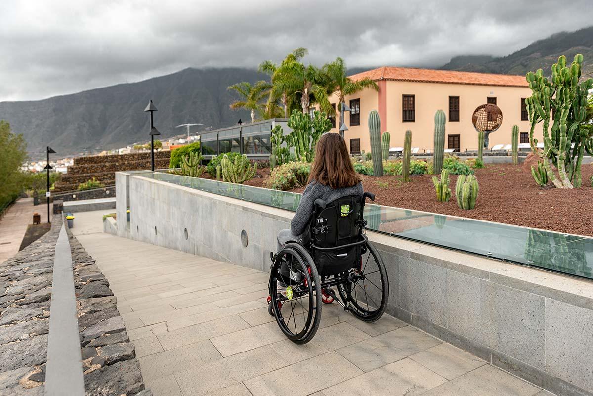 Wheelchair ramp at Piramides de Güimar