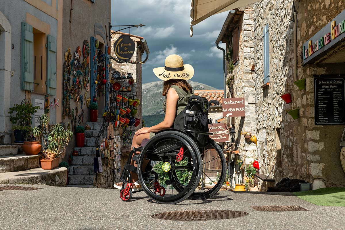 Wheelchair traveler Little Miss Turtle in Gourdon