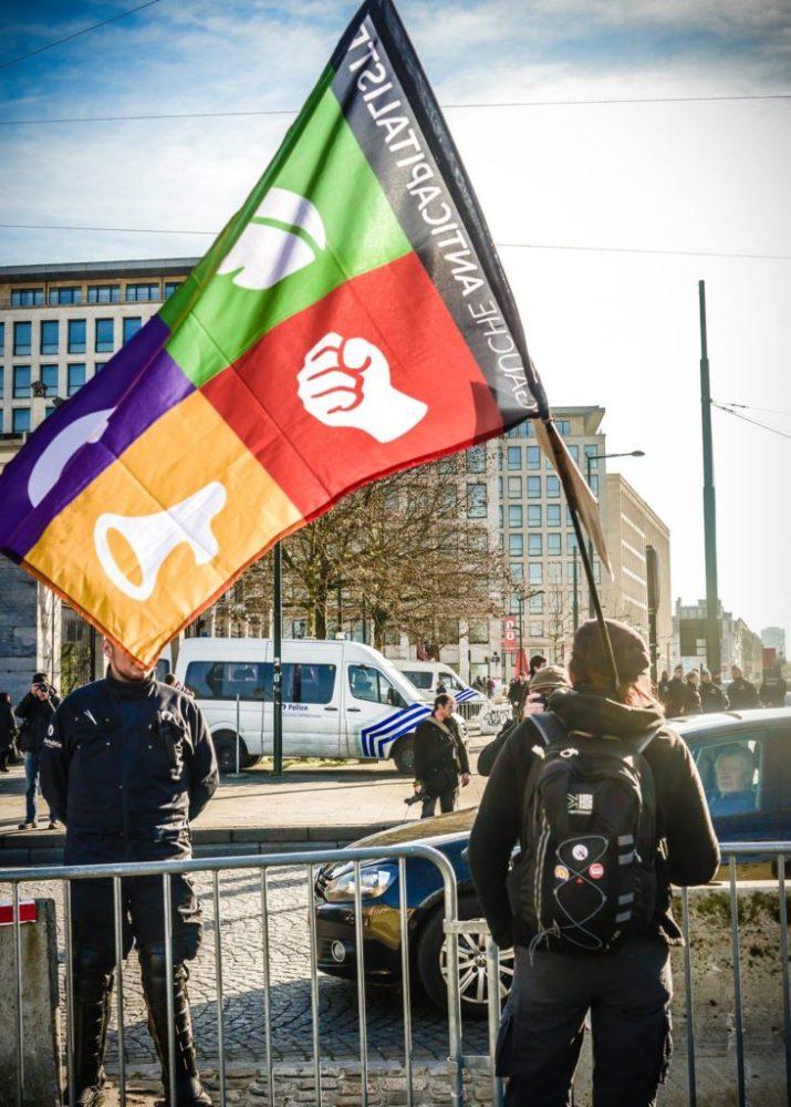 Gauche anticapitaliste flag by François Dvorak