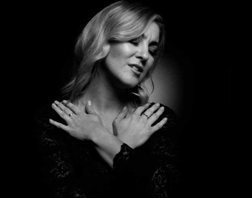 Natalie Pearson releases re-imagined classic 'You'll Never Walk Alone'