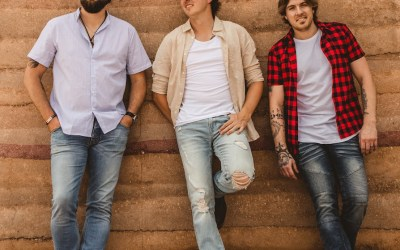 Canadian country trio Petric release single 'Kids' and album 'Flashbacks'