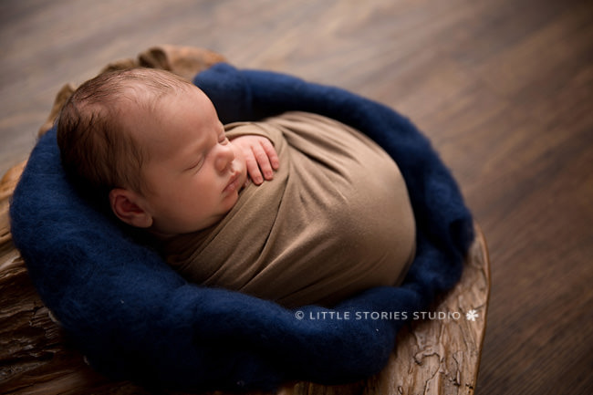 navy and caramel newborn photo
