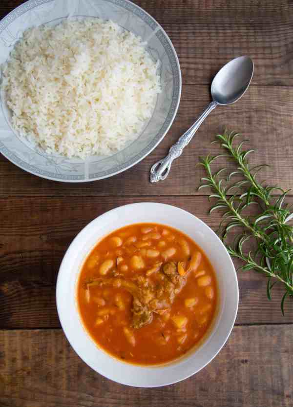 A healthy Middle Eastern classic, white beans with meat cooked in tomato sauce and served with white rice...